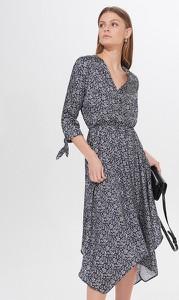 Sukienka Mohito z długim rękawem midi z dekoltem w kształcie litery v
