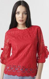 Czerwona bluzka born2be z okrągłym dekoltem