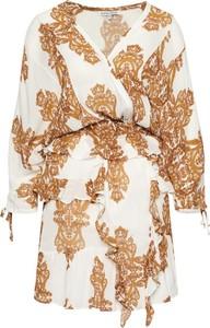 Sukienka Silvian Heach mini z dekoltem w kształcie litery v