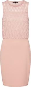 Różowa sukienka Vero Moda bez rękawów z okrągłym dekoltem