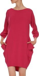 Czerwona sukienka Yuliya Babich z długim rękawem oversize