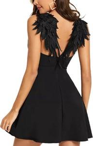 Sukienka Sandbella mini z dekoltem na plecach