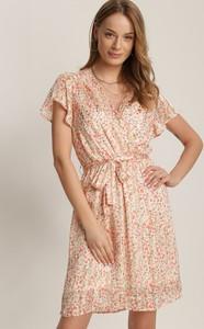 Różowa sukienka Renee z krótkim rękawem mini