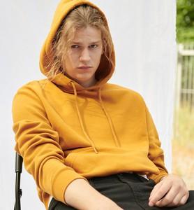 Żółta bluza Sinsay w młodzieżowym stylu