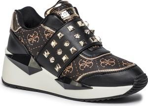Sneakersy Guess na platformie z nadrukiem