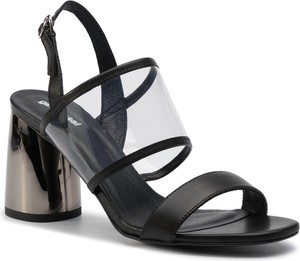 Czarne sandały Gino Rossi w stylu casual ze skóry
