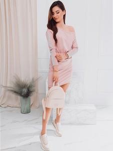Sukienka Edoti w stylu casual z długim rękawem