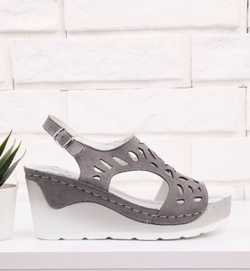 Sandały Yourshoes ze skóry w stylu casual na platformie