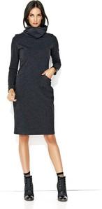 Czarna sukienka Makadamia z długim rękawem midi w stylu casual