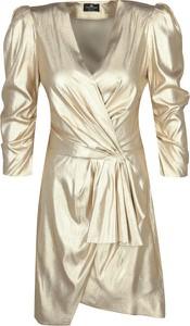 Złota sukienka Elisabetta Franchi kopertowa z dekoltem w kształcie litery v mini