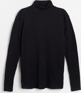 Czarny t-shirt Reserved w stylu casual z długim rękawem