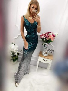 Sukienka Magneticsklep z dekoltem w kształcie litery v maxi
