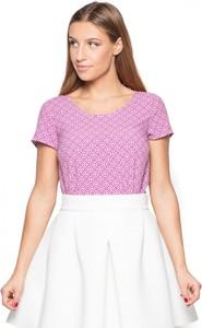Różowa bluzka Katrus w stylu casual z okrągłym dekoltem