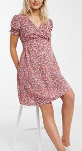 New Look Maternity – Czerwona sukienka mini z marszczoną talią i kwiatowym wzorem-Czarny