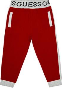 Czerwone spodnie dziecięce Guess