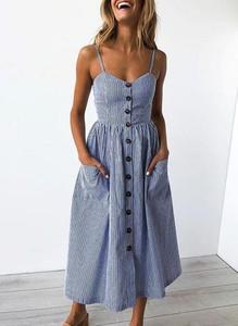 Sukienka Sandbella na ramiączkach dopasowana z dekoltem w kształcie litery v