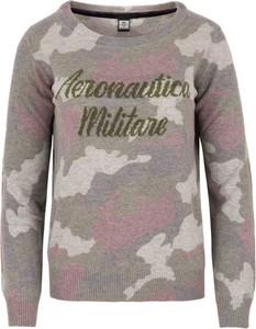 Sweter Aeronautica Militare w młodzieżowym stylu