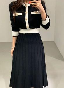 Sukienka Arilook midi z okrągłym dekoltem z długim rękawem