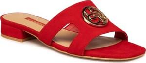 Czerwone klapki Lasocki w stylu casual ze skóry