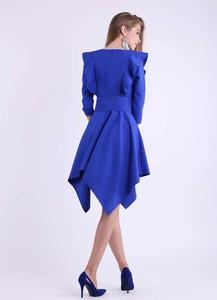 Niebieska sukienka Nommo mini z długim rękawem