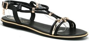 Czarne sandały Carinii z klamrami
