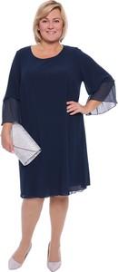Sukienka modneduzerozmiary.pl z długim rękawem z okrągłym dekoltem z szyfonu