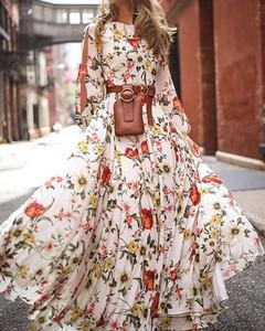Sukienka Kendallme z długim rękawem z dekoltem w kształcie litery v trapezowa