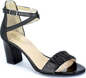 Sandały Gamis na obcasie ze skóry