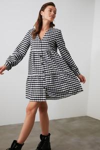 Sukienka Trendyol z długim rękawem koszulowa mini
