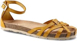 Żółte sandały Yokono z klamrami
