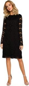 Czarna sukienka Merg z długim rękawem trapezowa