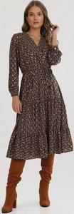 Granatowa sukienka born2be midi