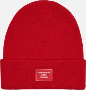 Czerwona czapka Cropp