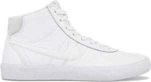 Trampki Nike sznurowane ze skóry z płaską podeszwą