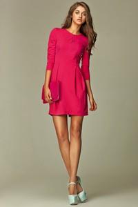 Różowa sukienka Nife mini z okrągłym dekoltem