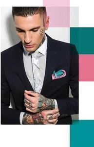 Czarny krawat Marthu