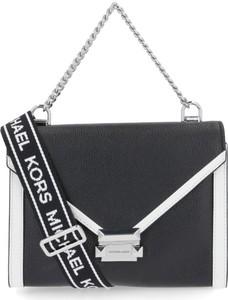 91b13f06fc109 Czarne torebki młodzieżowe Michael Kors, kolekcja wiosna 2019