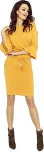 Żółta sukienka Nubile mini z okrągłym dekoltem z długim rękawem