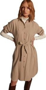 Brązowa sukienka ECHO z kołnierzykiem w stylu casual koszulowa
