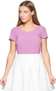 Różowy t-shirt Katrus w stylu casual