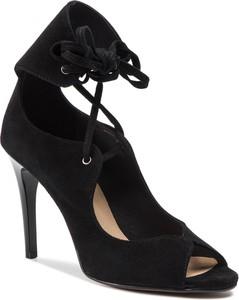 Sandały Quazi w stylu klasycznym sznurowane na wysokim obcasie