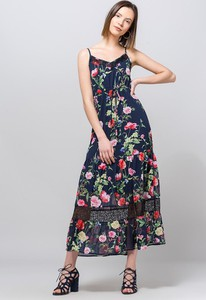 Sukienka Monnari w stylu boho z dekoltem w kształcie litery v