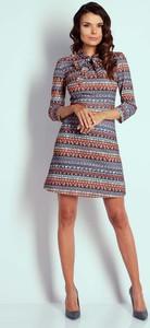 Sukienka Nommo w stylu boho z okrągłym dekoltem trapezowa