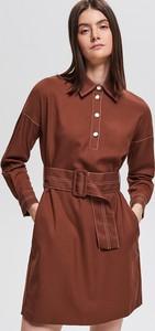 Czerwona sukienka Reserved midi z długim rękawem