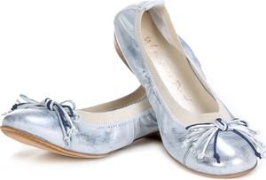 Srebrne baleriny Lafemmeshoes w stylu casual ze skóry