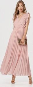 Różowa sukienka born2be maxi z dekoltem w kształcie litery v