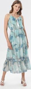 Niebieska sukienka born2be maxi z okrągłym dekoltem
