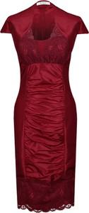 Czerwona sukienka Fokus midi z krótkim rękawem
