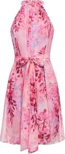 Sukienka Ivon bez rękawów mini z szyfonu
