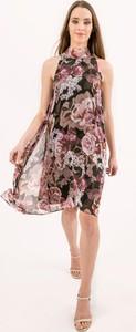 Sukienka Bialcon z okrągłym dekoltem bez rękawów mini